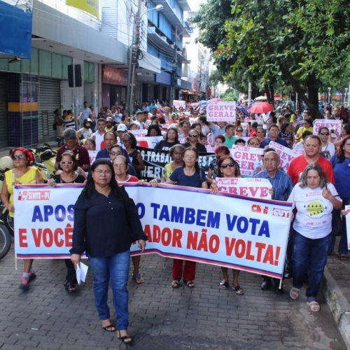 Professores da rede estadual entram em greve a partir de sexta
