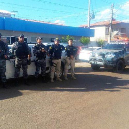 Veículo roubado na Bahia é encontrado na zona rural de Francisco Santos pela PRF e PM de Picos