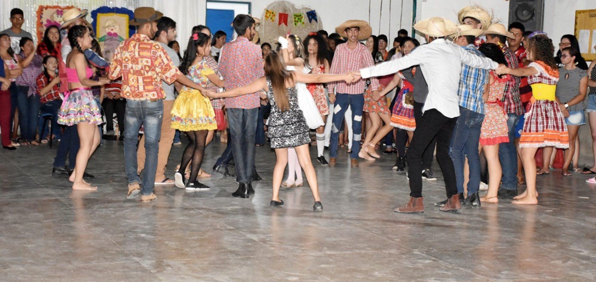 ALEGRETE | Escola Antonia de Sousa Alencar promove 'ArraiASA' fotos