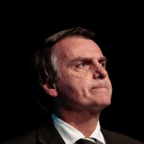 Bolsonaro deve anunciar nesta terça saída do PSL em reunião com deputados aliados