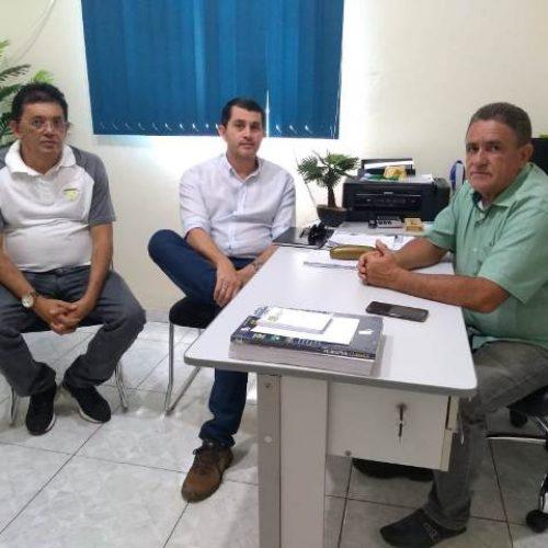 """SANTANA│Secretário de Obras se reúne com representantes da SOMA e operação """"tapa-buraco"""" terá início na PI-375"""
