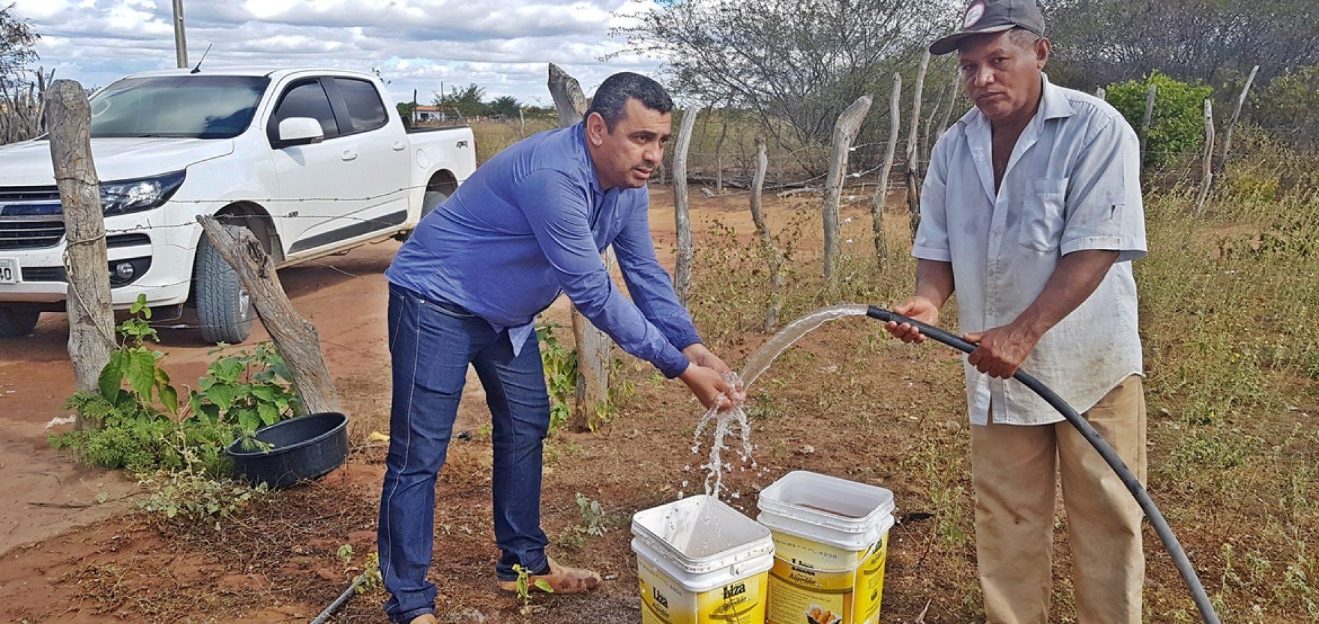 Em Jaicós, chegada da água traz vida nova e anima o homem do campo