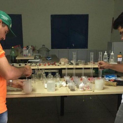 Alunos do Campus Pio IX desenvolvem experimento com Umbuzeiro