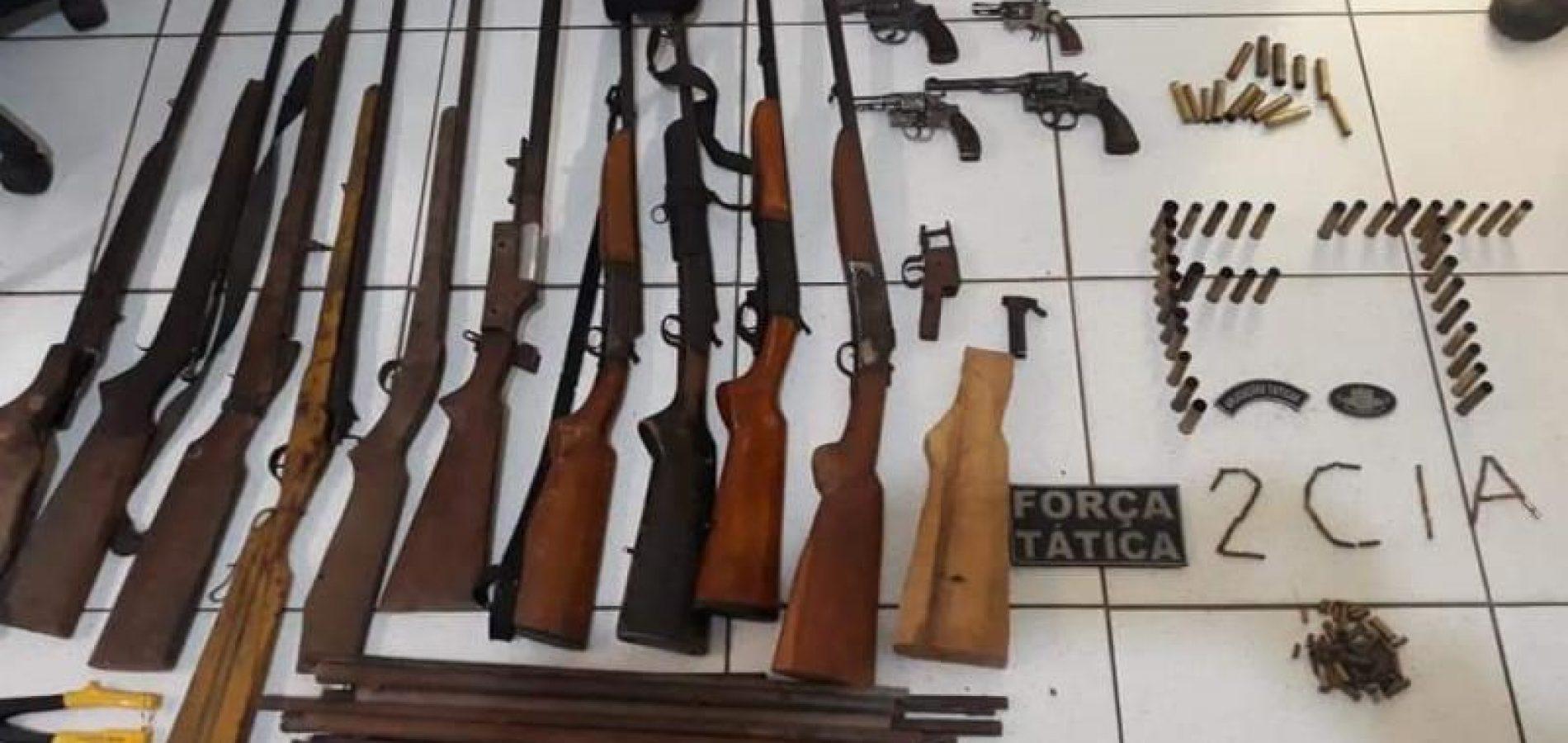 Força Tática faz apreensão de grande Arsenal de armas em Valença do Piauí