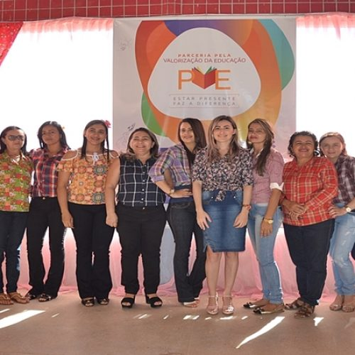SIMÕES| Creche Municipal Raimunda Félix realiza Arraiá Julino e projeto Família na Escola