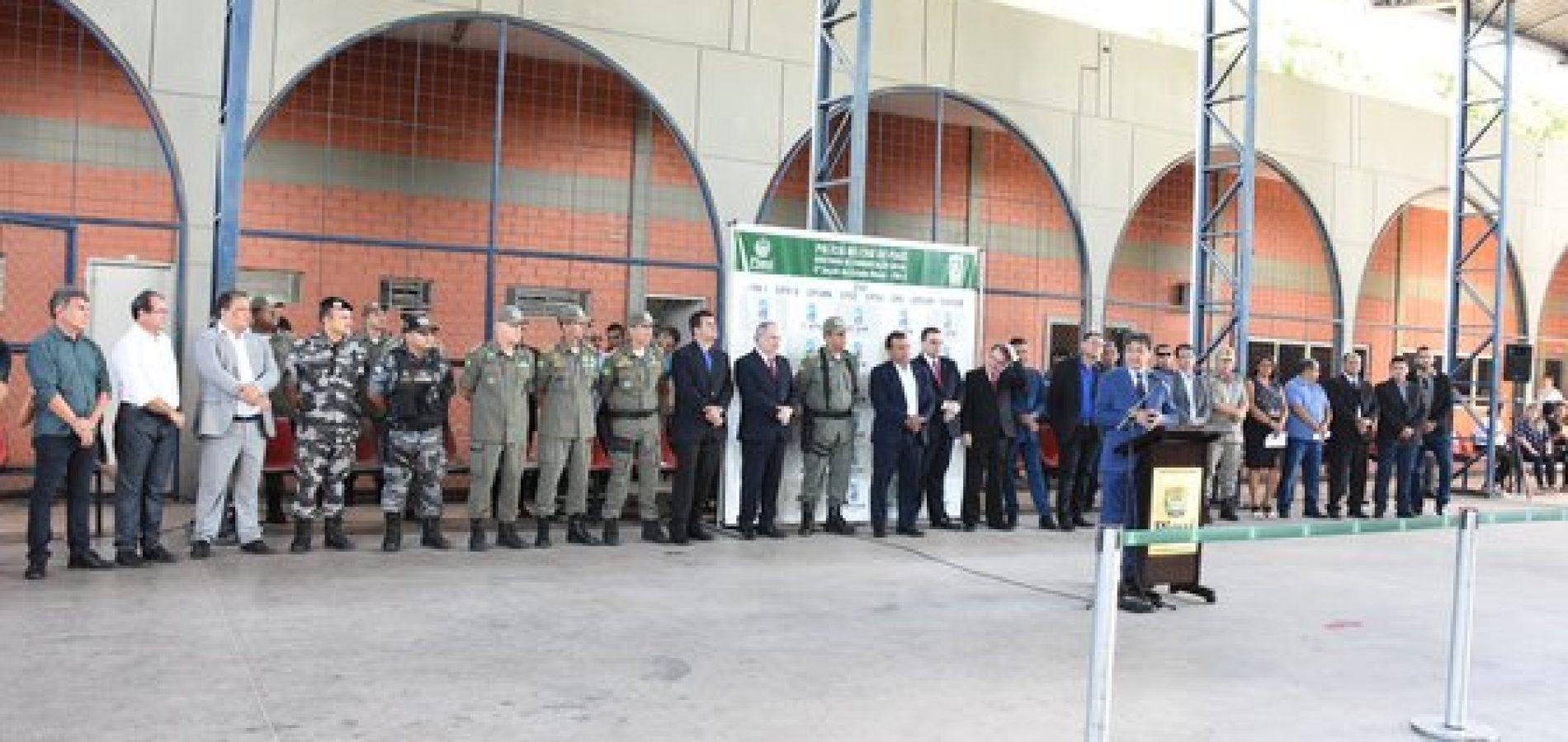Wellington Dias realiza entrega de 11 viaturas à Polícia Militar; município de Picos é contemplado
