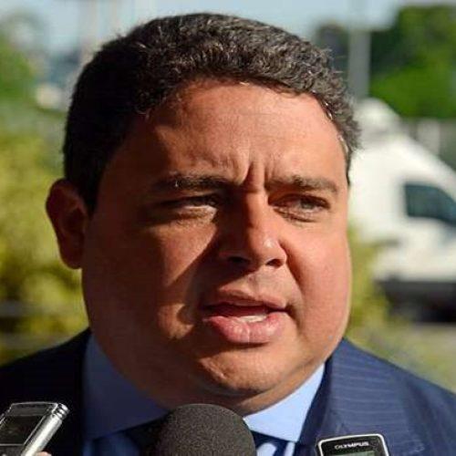 Bolsonaro ataca líder da OAB, cujo pai sumiu na ditadura