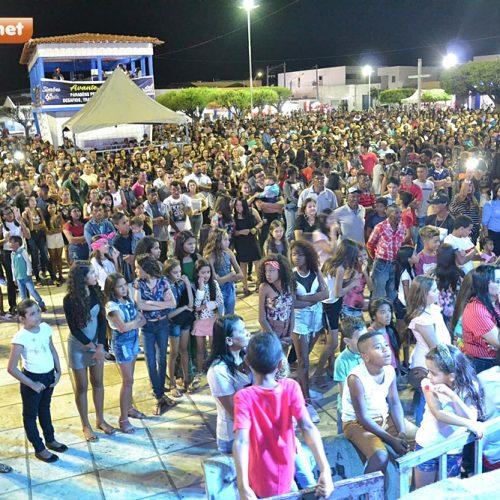 SIMÕES 65 ANOS | Veja fotos do show de calouros e festa com Waldo e Felipe