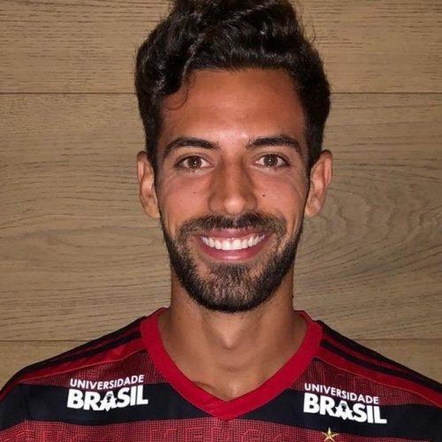 """Flamengo anuncia zagueiro espanhol Pablo Marí: """"Clube gigantesco. Agora sou Mengão"""""""