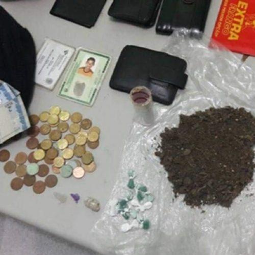 Polícia prende três homens por tráfico de drogas no Piauí