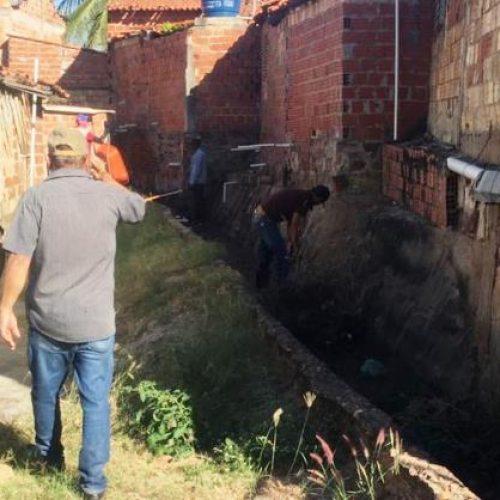 Secretaria de Defesa Civil de Picos inicia trabalho preventivo de limpeza das galerias