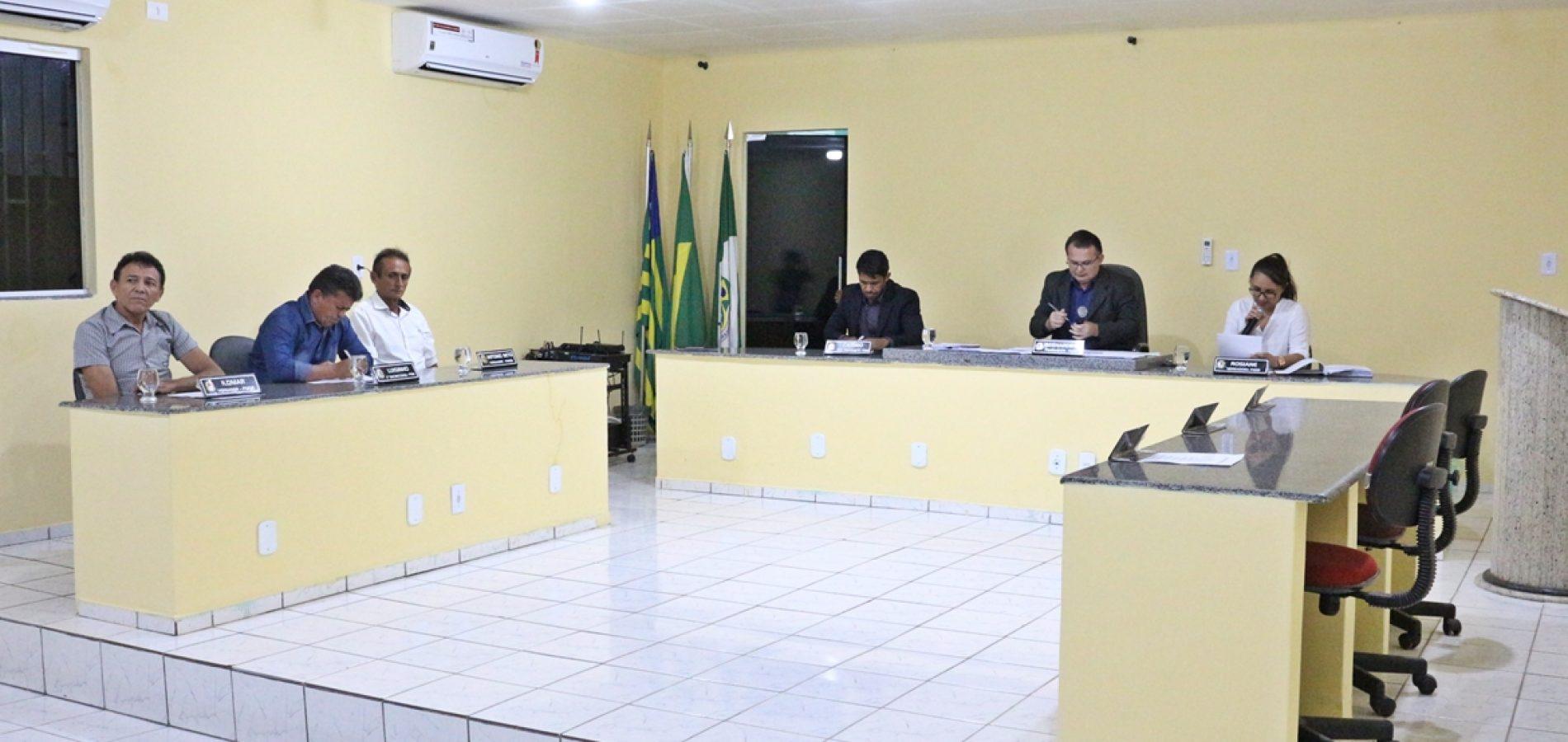 Câmara de Belém do Piauí aprova contas da ex-prefeita Débora e oito Títulos de Cidadania