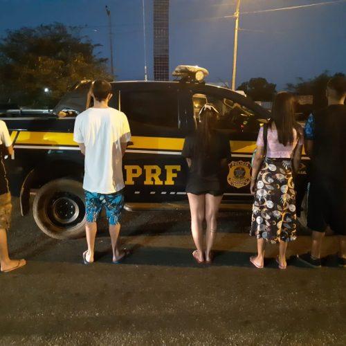 PRF prende traficantes e apreende vasta variedade de drogas na BR-343
