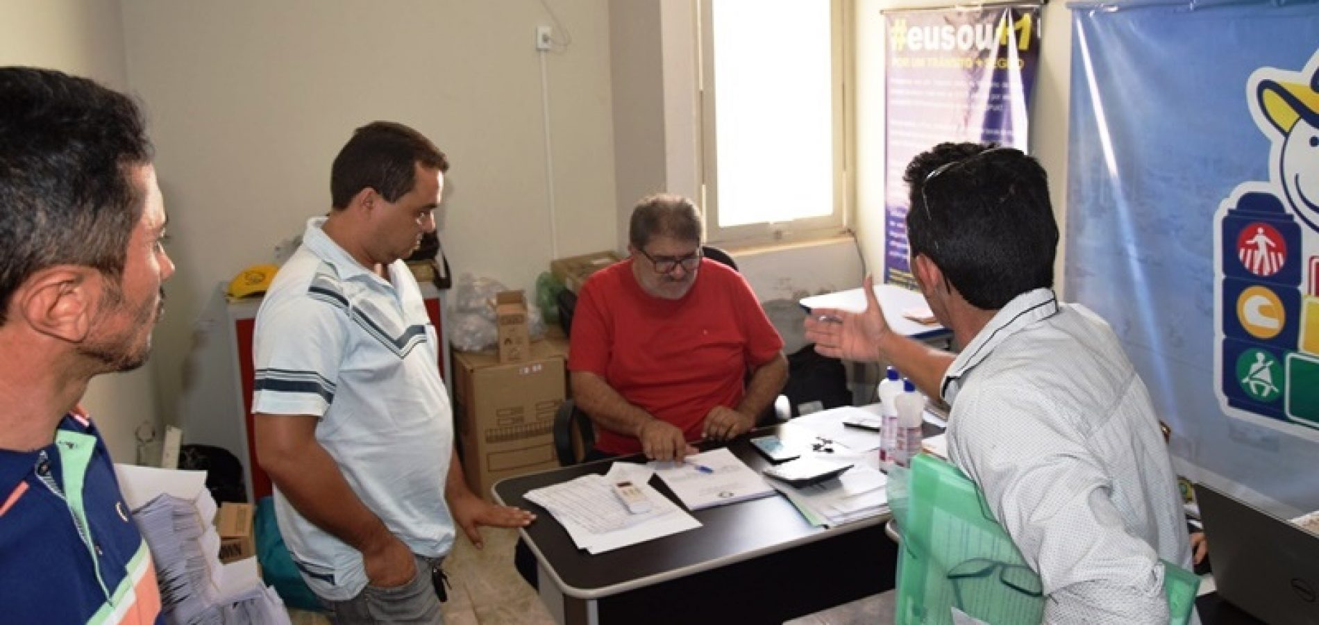 PICOS | Reunião sobre vans irregulares termina sem acordo concreto com STTRAM
