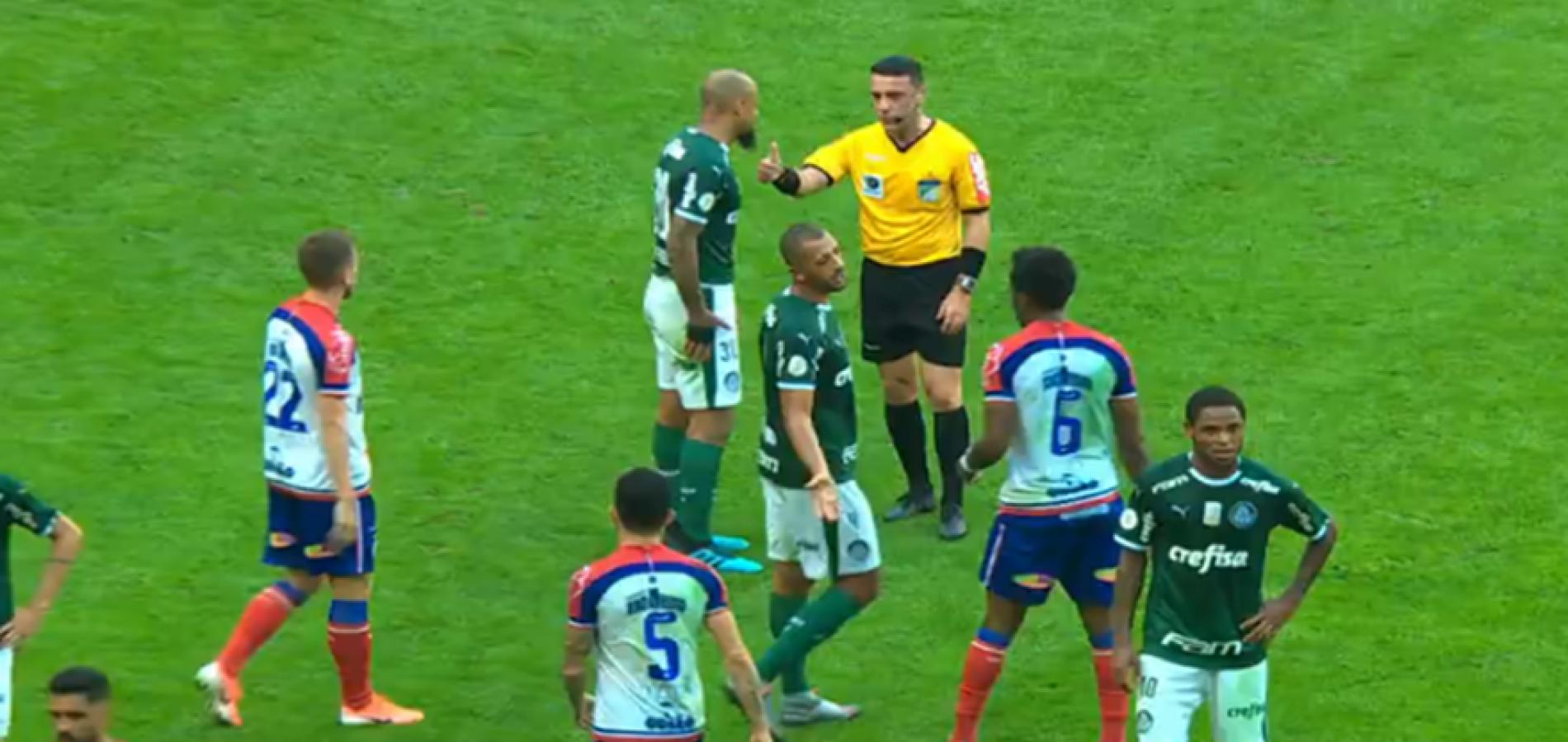 Felipe Melo, do Palmeiras, é suspenso pelo STJD por quatro partidas no Brasileirão