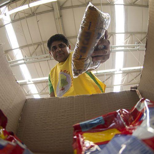 Luz e alimentos aceleram inflação para famílias de baixa renda em julho