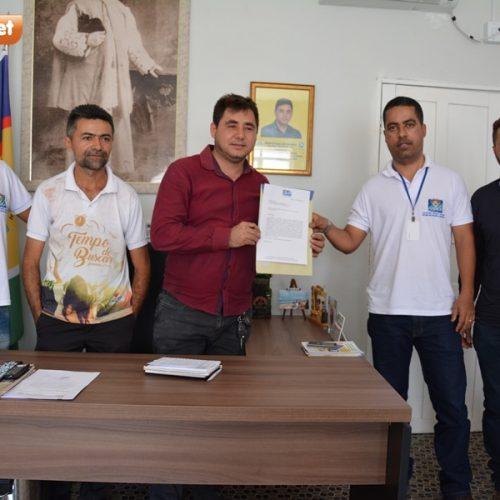Prefeiturareforça parceriacom a ONG Chapada evai realizar a Feira da Agricultura Familiar no interior de Padre Marcos