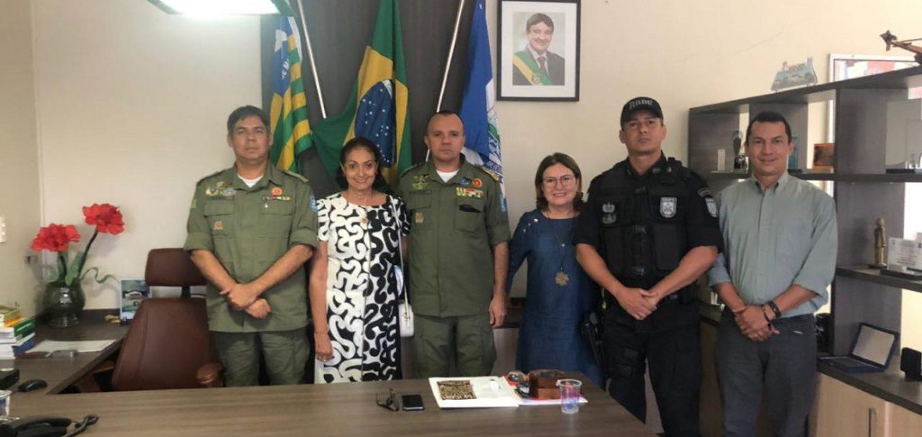 Após onda de assaltos, prefeita se reúne com comandante geral da PM e pede reforço na segurança pública de Fronteiras