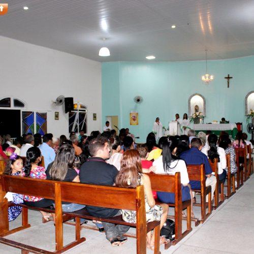 Padre Francisco Ramires celebra primeira missa como vigário paroquial em Vila Nova do Piauí