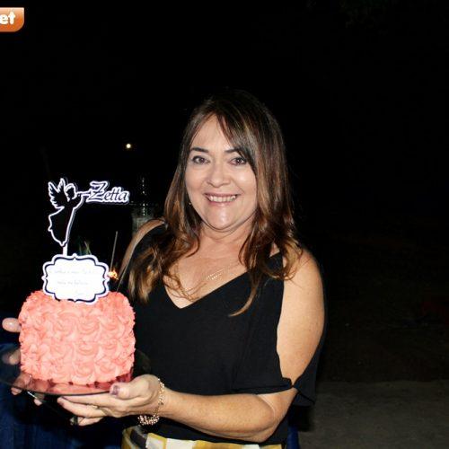 GENTE EM EVIDÊNCIA│Alcizete Alencar comemora aniversário com familiares e amigos; fotos