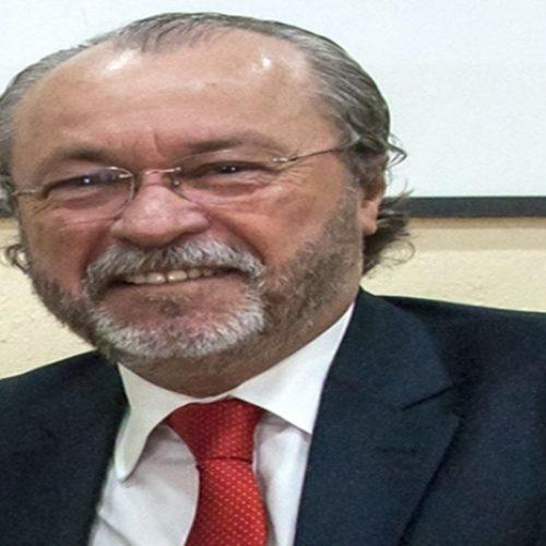 Jair Bolsonaro nomeia piauiense como reitor da Universidade Federal do Ceará