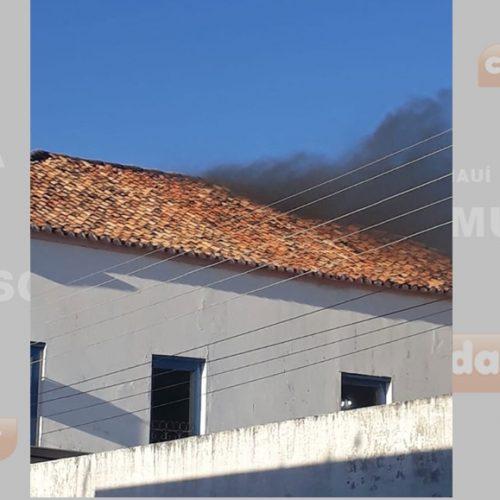 Princípio de incêndio atinge prédio da Prefeitura de Oeiras, no Centro Histórico