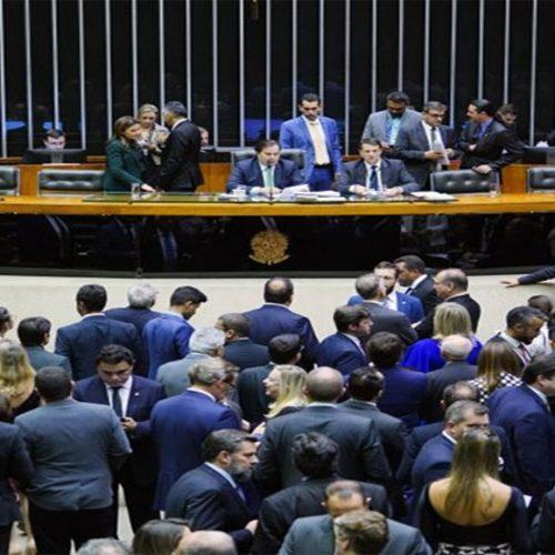 Deputados piauienses votam a favor de novas regras eleitorais