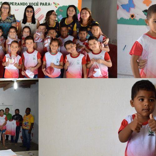 Prefeitura de Padre Marcos faz entrega de uniforme escolar para alunos da rede municipal de ensino