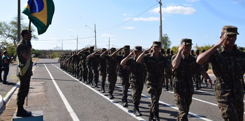 PICOS | 3º BEC realiza homenagem ao Dia do Soldado