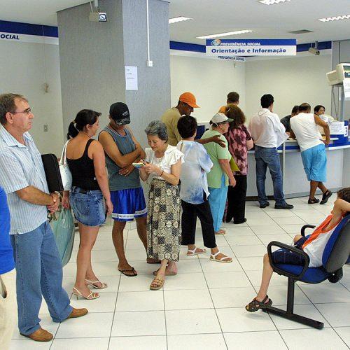 INSS quer lançar esta semana plano para zerar fila de espera