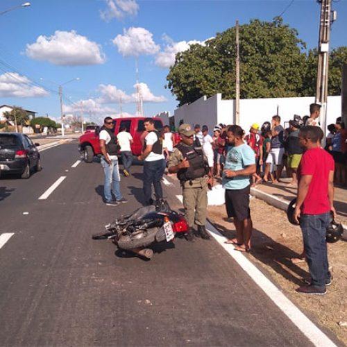 Homem enfarta e cai de moto em avenida no Piauí