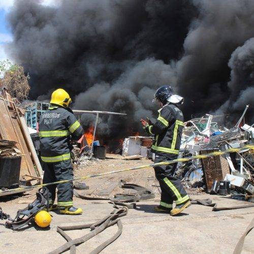 SDU diz que galpão de sucata onde aconteceu incêndio no Piauí era irregular