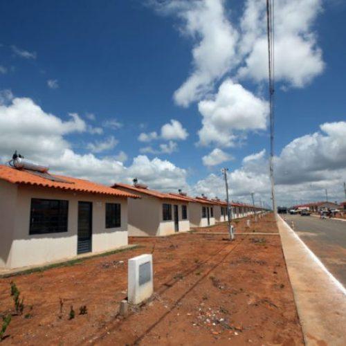 Bolsonaro emperra Minha Casa, Minha Vida e construtoras não têm dinheiro nem para demissões