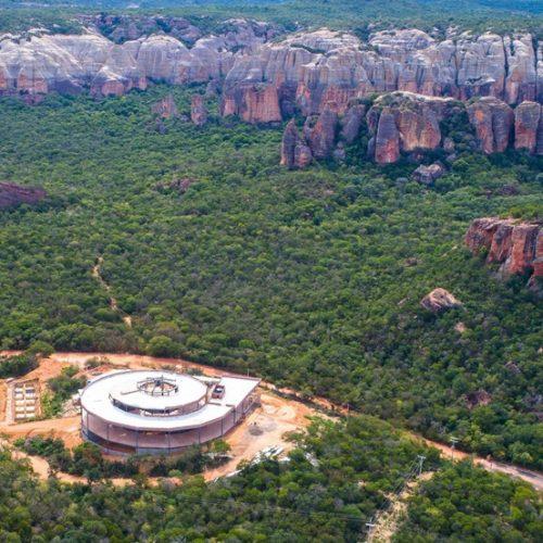 Ministro do Turismo promete prioridade para parque no aniversário do Museu da Natureza