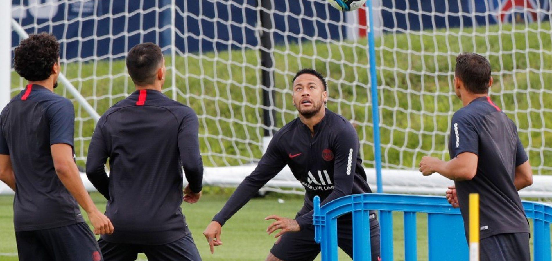 PSG aceita liberar Neymar e mais dois jogadores do Barcelona por dinheiro