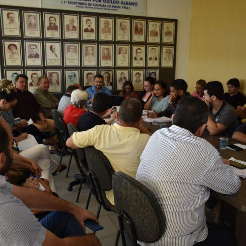PICOS|  Prefeito reúne secretários e cobra celeridade em obras
