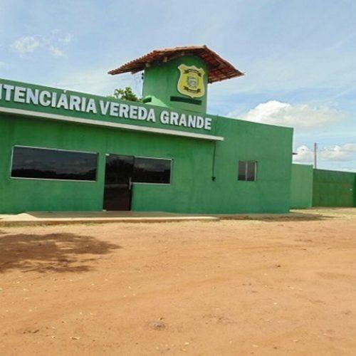 Familiar é detido tentando entrar com aparelho celular em penitenciária no Piauí