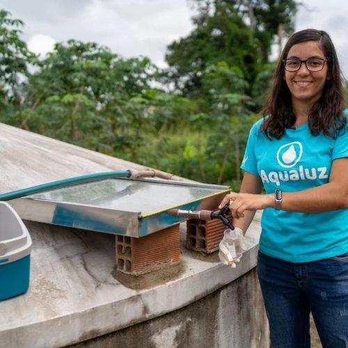 Brasileira cria sistema que purifica água da chuva usando energia solar