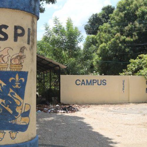 Estudantes da Uespi ocupam campus e aulas são suspensas após paralisação de terceirizados