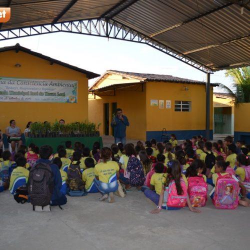Educação de Belém realiza Semana da Consciência Ambiental com palestras e distribuição de 250 mudas de acerola