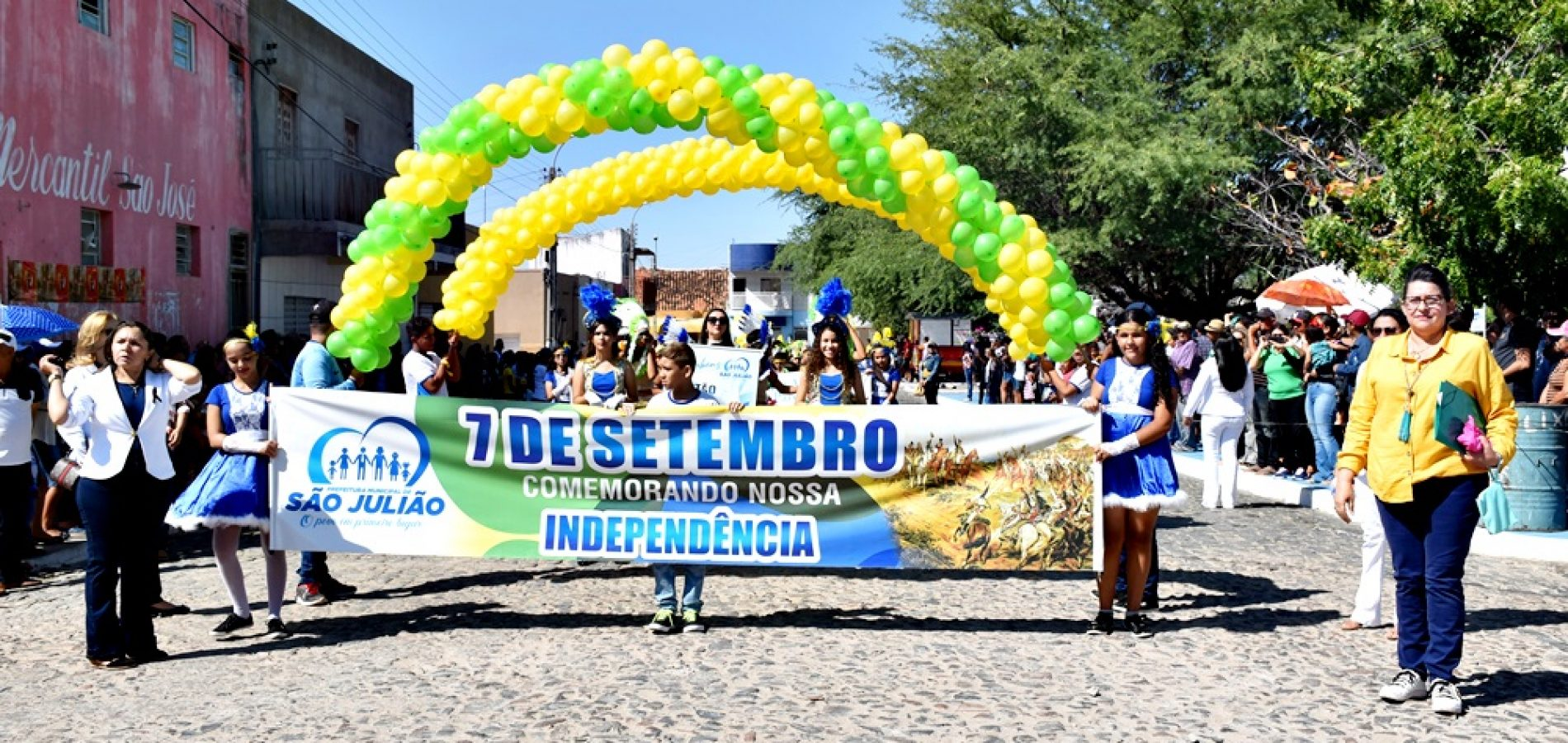 SÃO JULIÃO | Gestão de Dr. Jonas mantém tradição e realiza pelo 3º ano Desfile Cívico de 07 de setembro