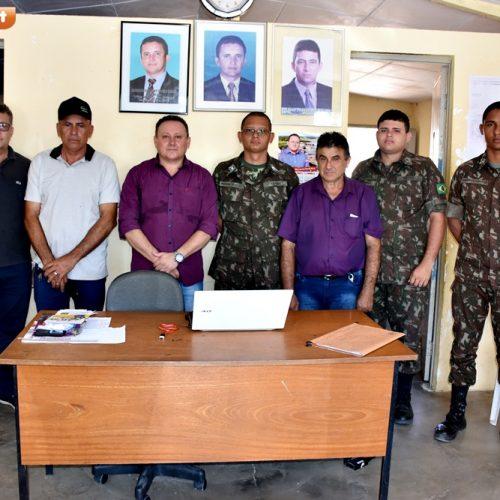 Reunião com 25°BC marca retorno da Operação Carro Pipa em Vila Nova do Piauí