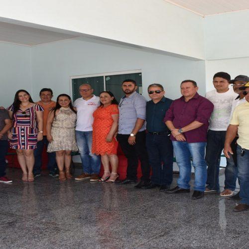 Deputado estadual Franzé Silva visita Vila Nova para agradecer votos e firmar parcerias