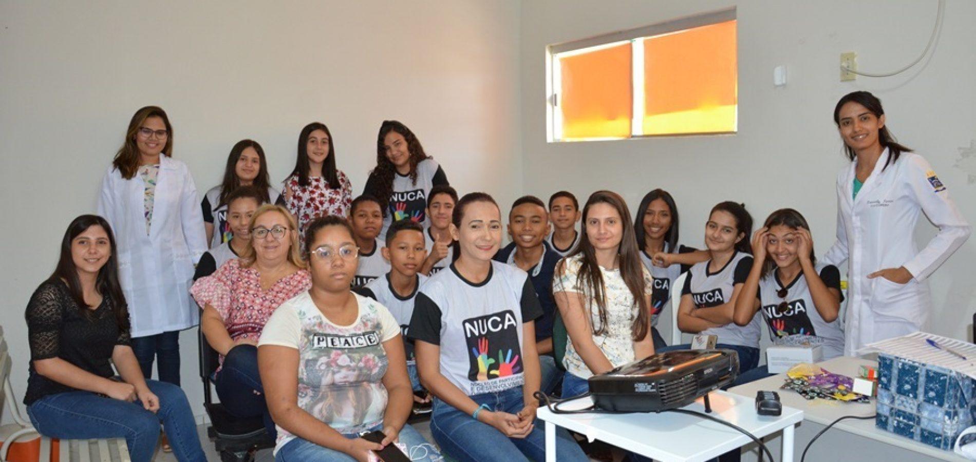 MASSAPÊ   Adolescentes do NUCA participam de palestra sobre saúde sexual