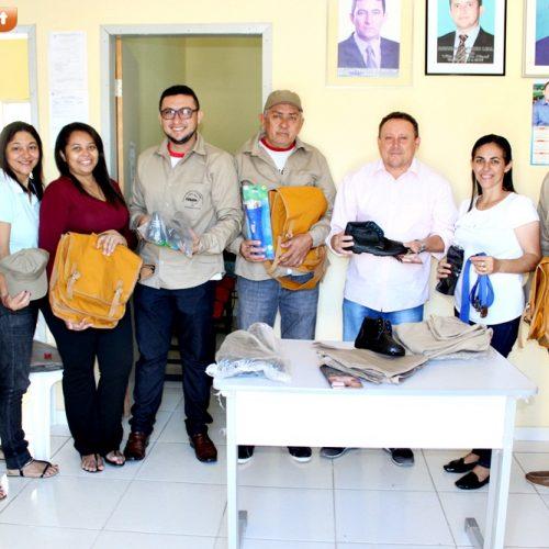 Secretaria de Saúde de Vila Nova entrega uniformes e equipamentos para agentes de endemias