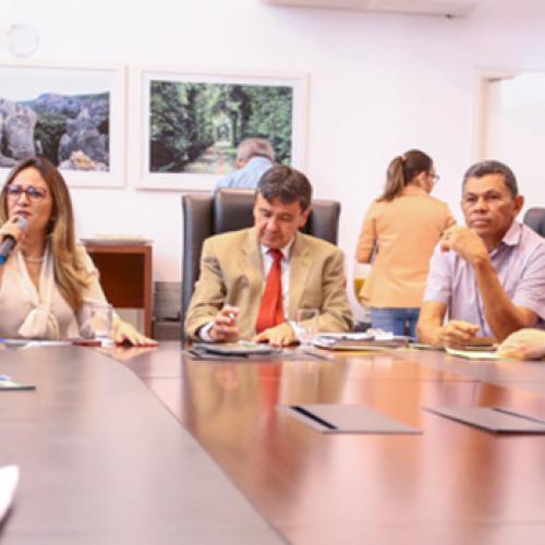 Governador reúne prefeitos para tratar de obras com recursos de empréstimos