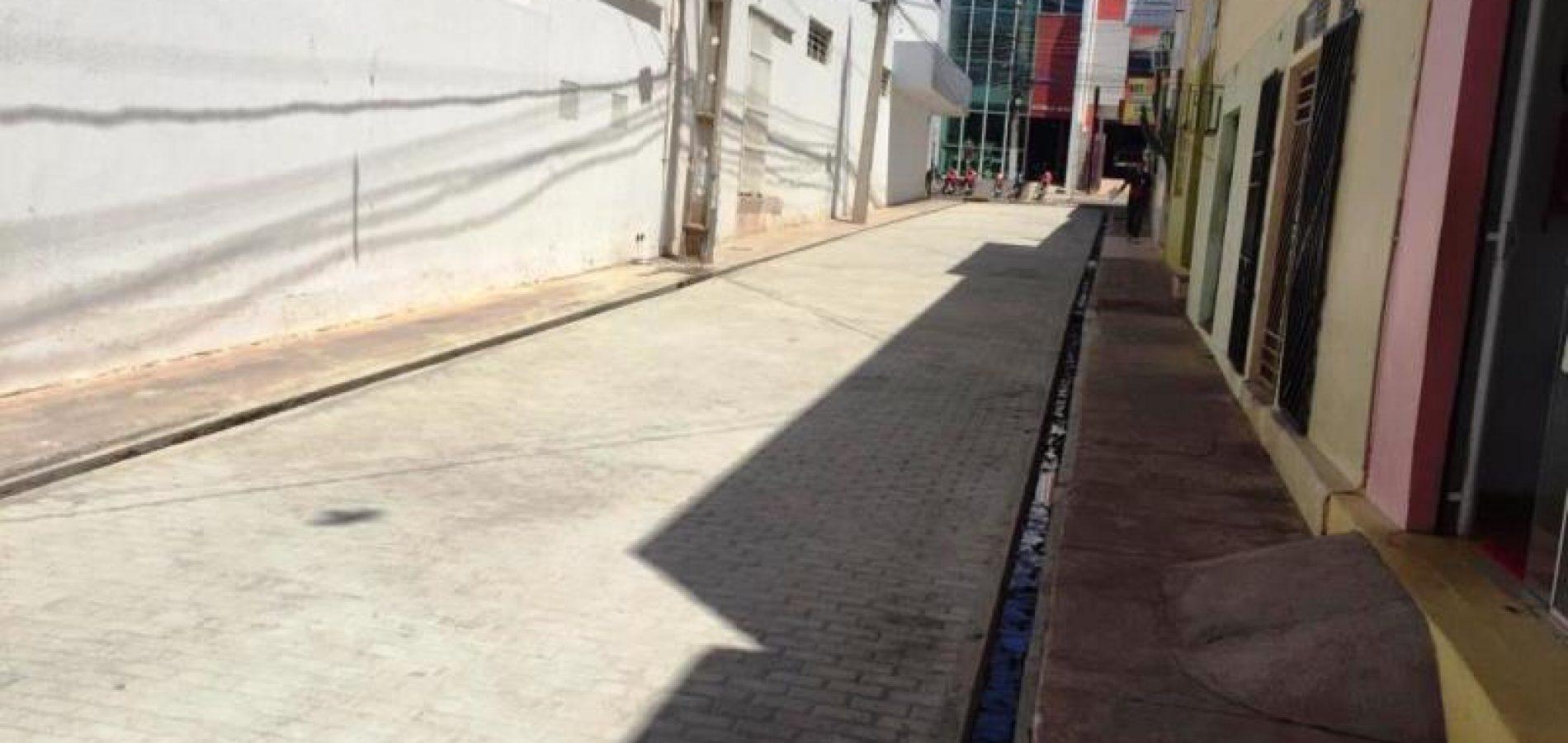 PICOS | Espaço para vendedores ambulantes está pronto e boxes estão sendo fabricados