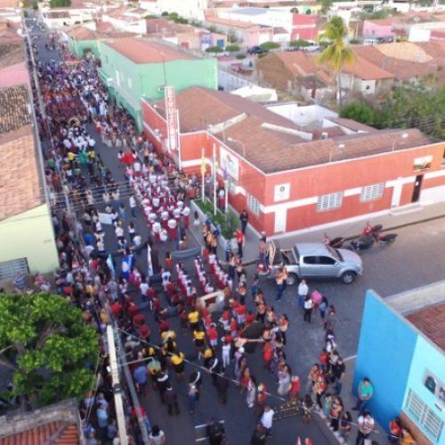 Confira as fotos do Desfile Cívico em Padre Marcos