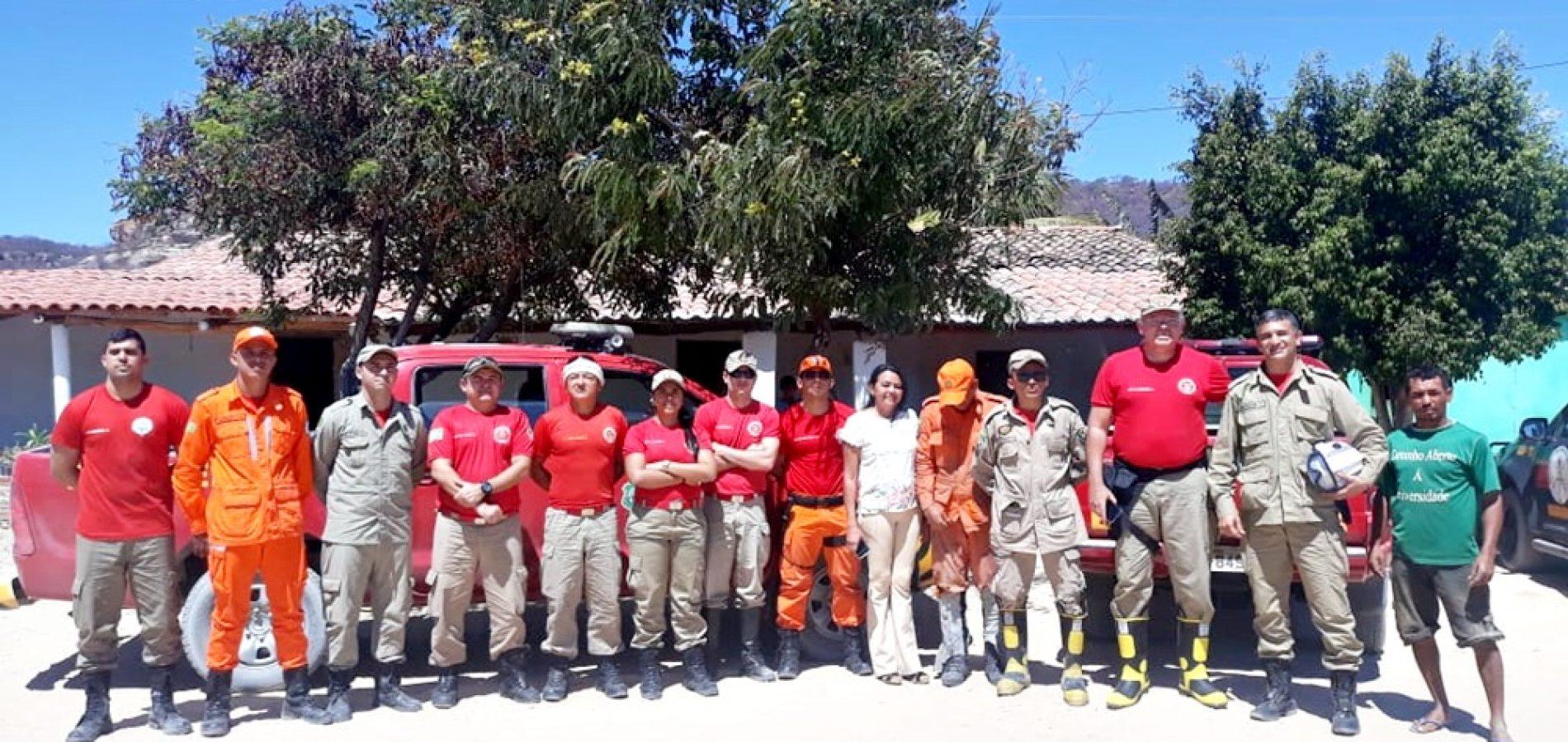 Em ação conjunta, bombeiros controlam incêndio que durou mais de 4 dias na divisa entre Piauí e Ceará