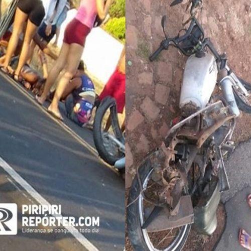 Caminhão atinge moto e pai e filho escapam ilesos do acidente